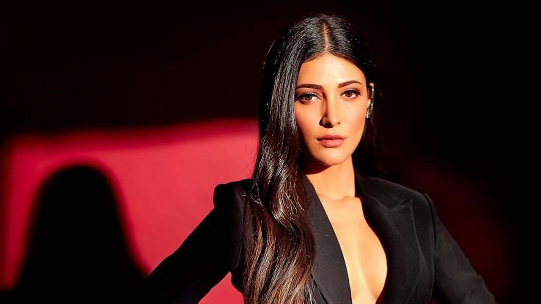 Shruti Haasan Reacts to Celebrities' Holiday Pics During Pandemic