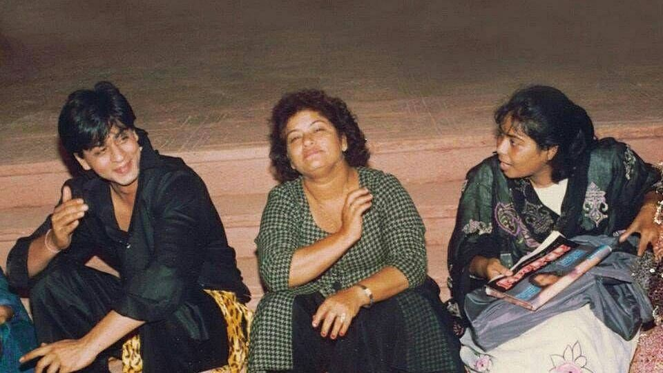 Shah Rukh Khan with Saroj Khan