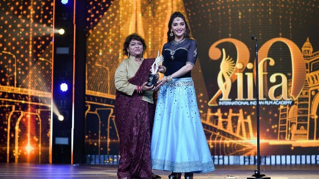 Watch: Madhuri's  Tribute to Saroj Khan is Something To Cherish
