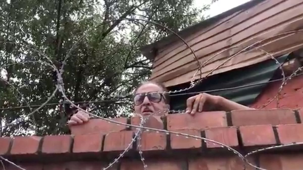 """Eighty-year-old Jammu and Kashmir Congress leader Saifuddin Soz, on Thursday, 30 July, scaled a tall wall of his Srinagar residence, only to inform the press that he is still """"under house arrest without any formal orders."""""""