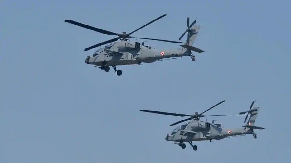 Apache Choppers Over Pangong Tso? No, Video is From Arizona, USA