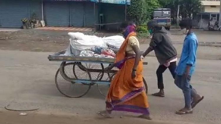 Karnataka: Wife, Sons Take Man's Body in Cart After Kin Refuse Aid