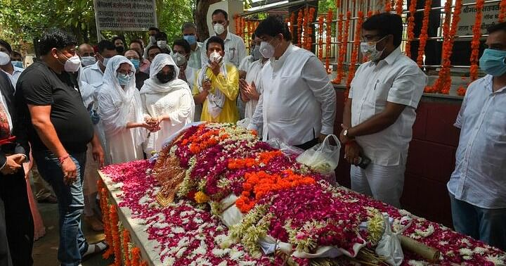 Ex-Samajwadi Party Leader, RS Member Amar Singh Cremated in Delhi