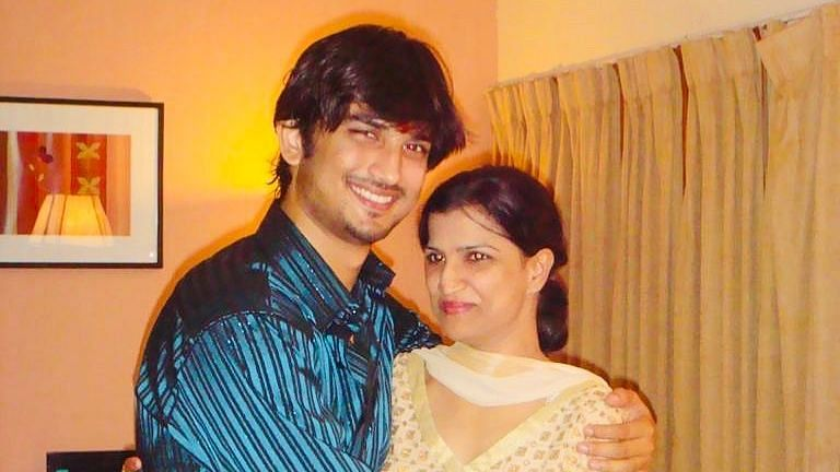 Sushant Singh Rajput with his sister Meetu.