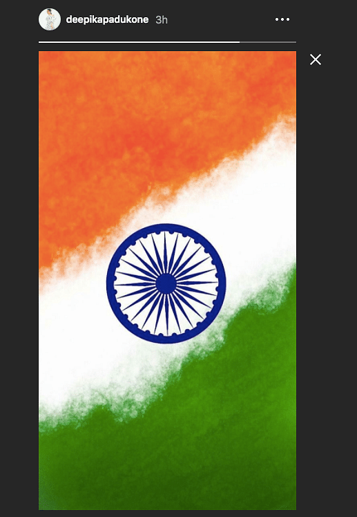 Bollywood Salutes Those Serving The Country on Independence Day