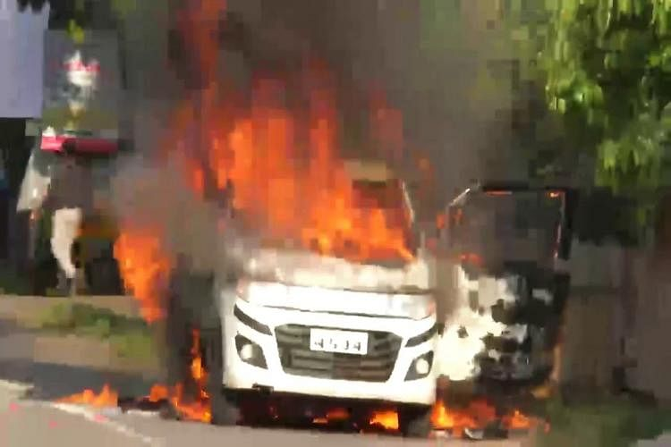 3 Injured in Andhra After Car Set Ablaze Over Real Estate Dispute
