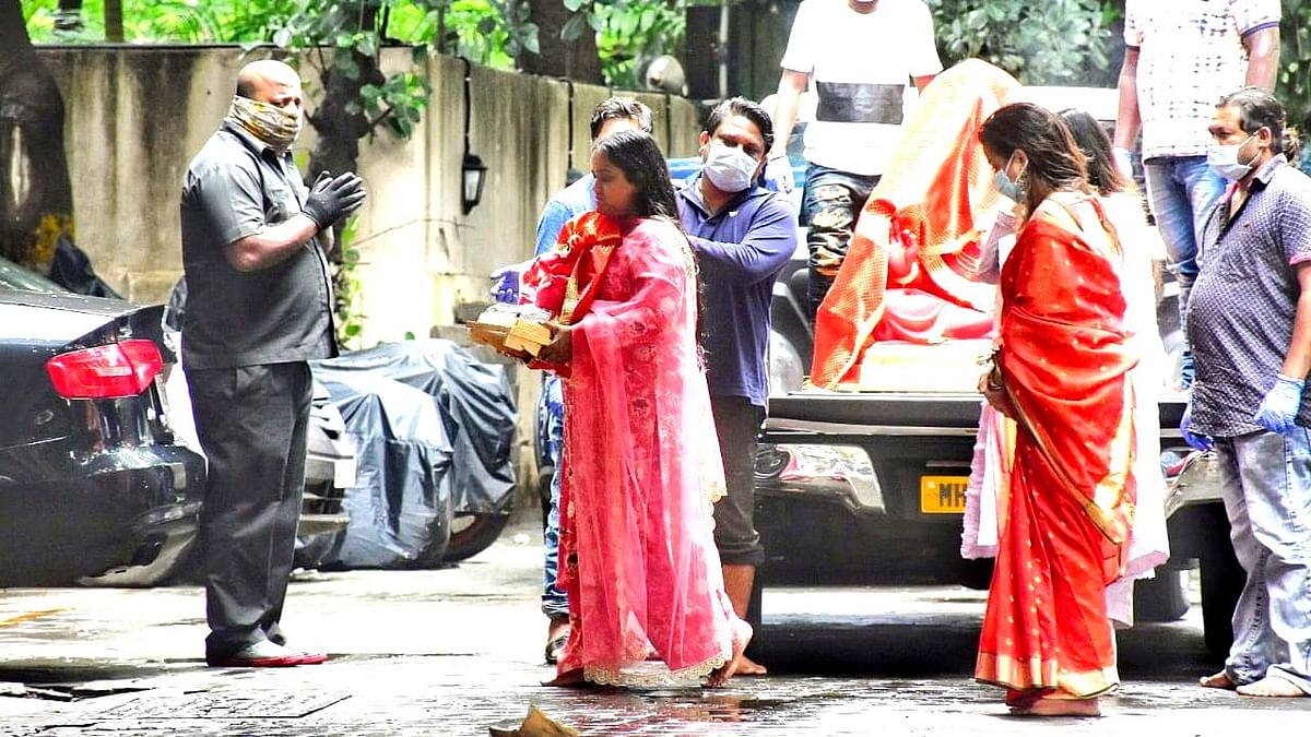 Lockdown Or Not, Salman Khan's Family Welcomes Bappa With Joy