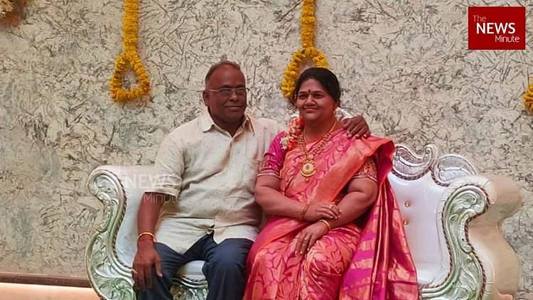 Karnataka Man Installs Late Wife's Statue for  Housewarming Party