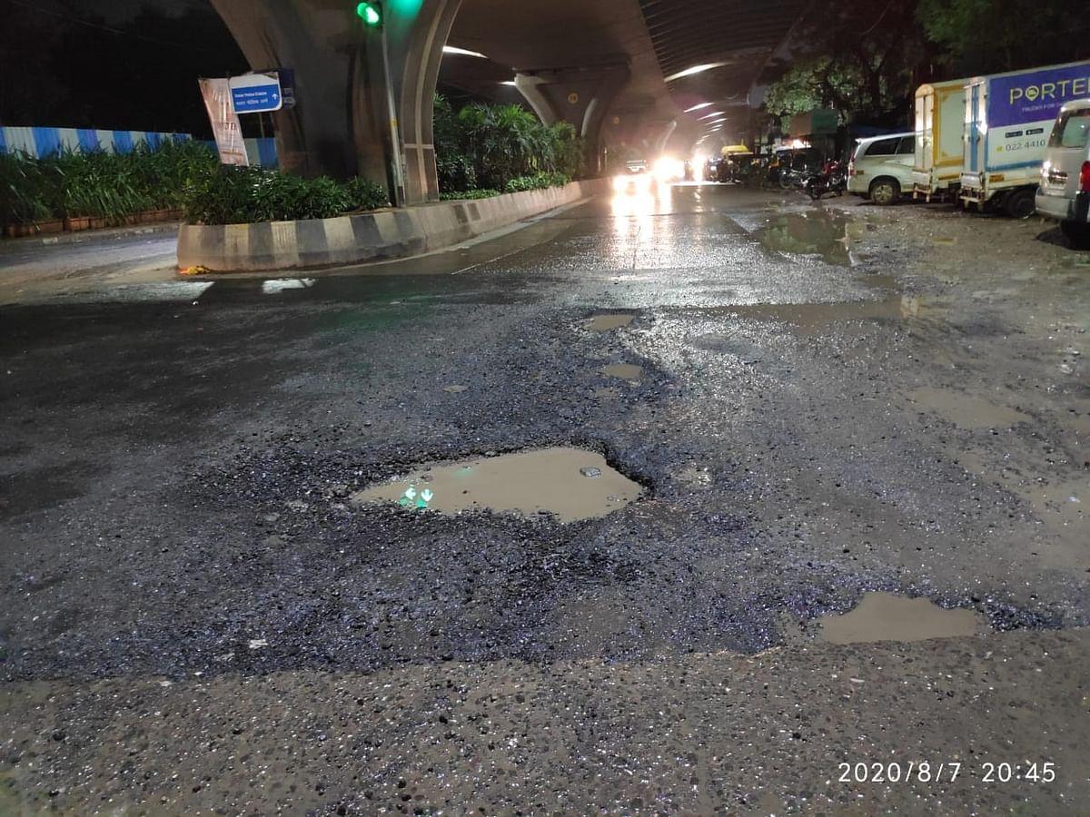 Pothole at Santacruz Road.