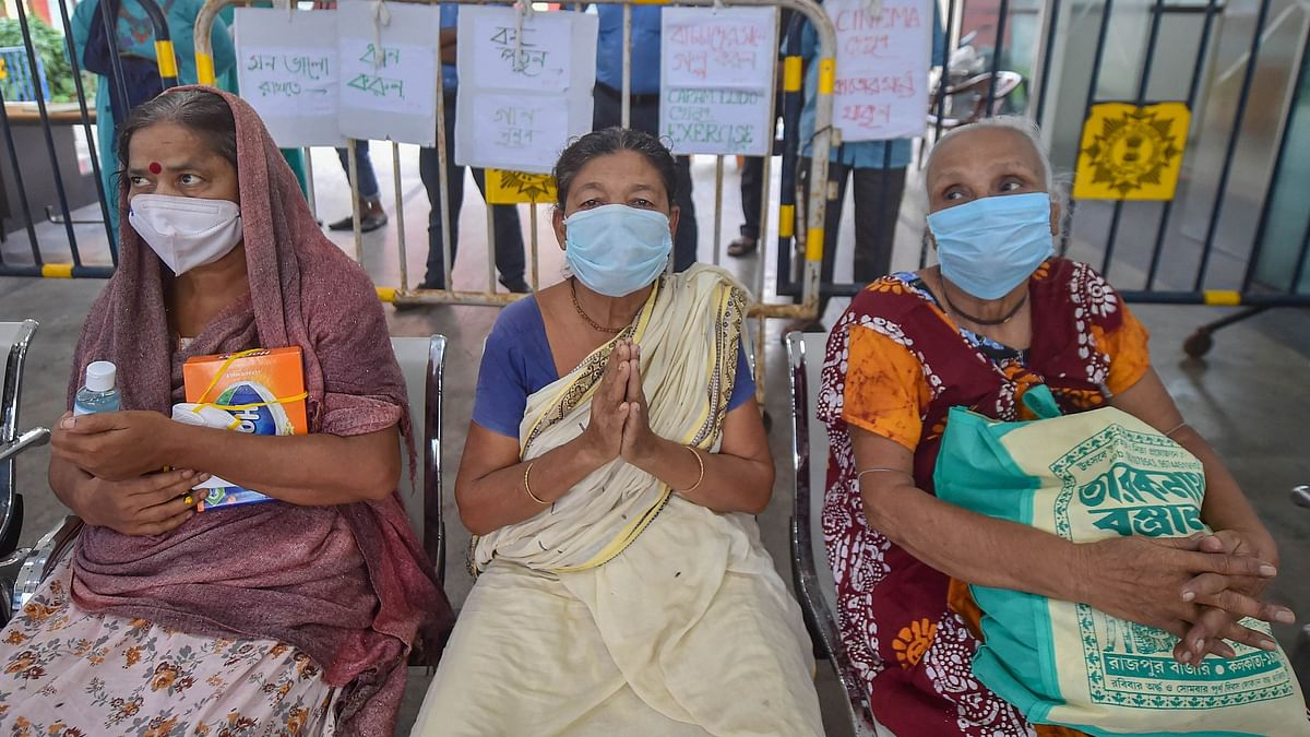 Patients who recovered from COVID-19 prepare to leave Calcutta Medical College Hospital, in Kolkata, Thursday, 27 August, 2020.