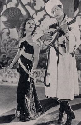 Sitara Devi and Kumar in Watan.