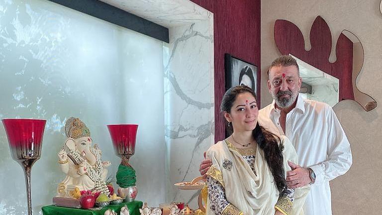 Sanjay Dutt with wife Maanayata.