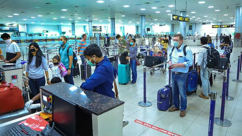 Delhi to Mumbai Amid COVID: What Are the Travel Rules to Enter Major Cities?