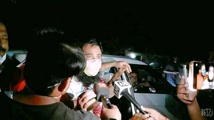 Dr Kafeel Khan talking to the media after being released on 1 September.