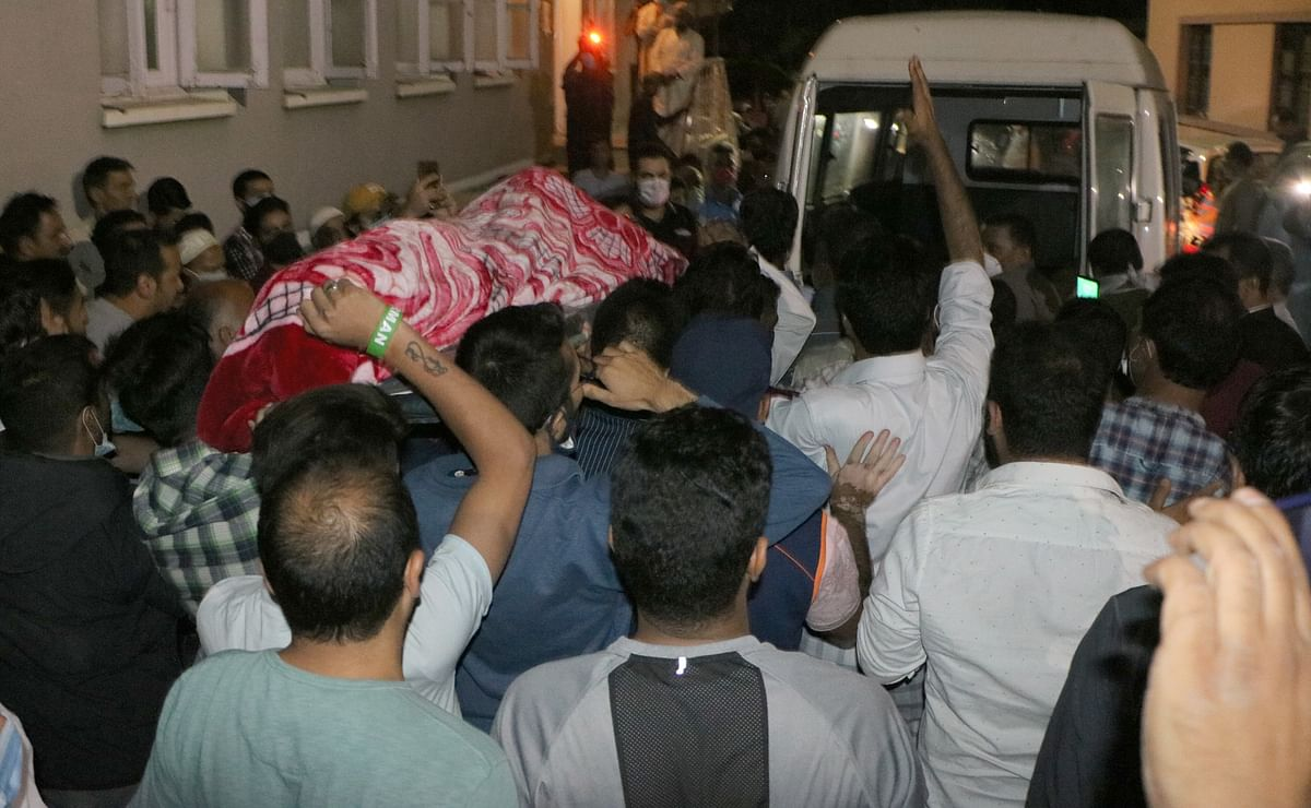 Funeral procession held for Qadri.