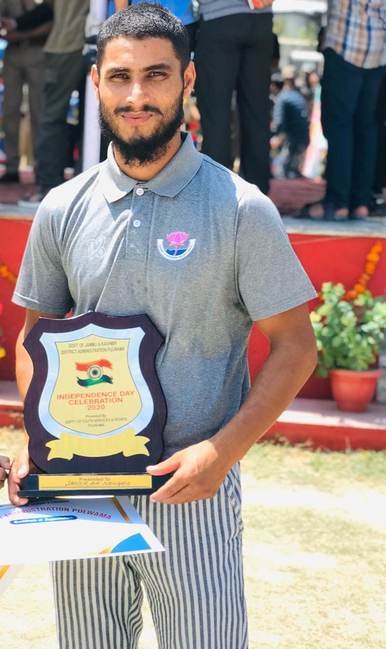 On 15 August 2020, Shabir 'Lefty' received the award for promising cricketer at the police lines, Pulwama