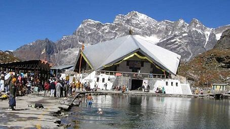 What are the guidelines issued by the Hemkund Sahib Management Trust? How will the pilgrimage be different this year? Read on.