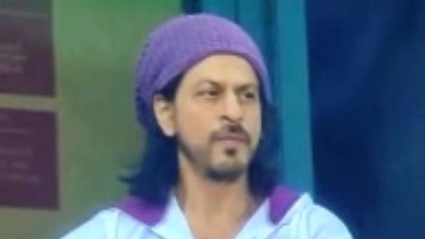 Shah Rukh Khan Seen in Stands for KKR's Game vs Rajasthan Royals