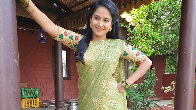 TV actor Sravani Kondapalli.