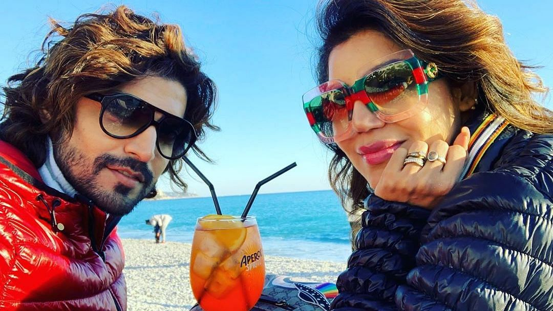Gurmeet Choudhary and his wife Debina Bonnerjee.
