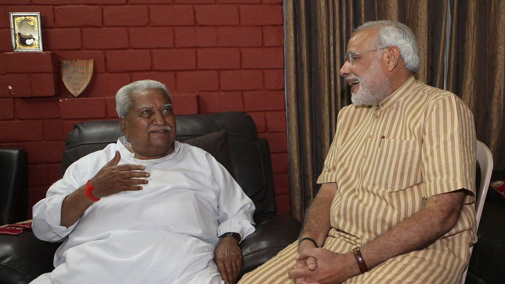 Former Gujarat Chief Minister Keshubhai Patel (left) passed away on Thursday, 29 October, at a private hospital in Ahmedabad.