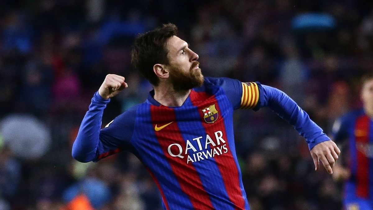Messi Set to Accept Huge Pay Cut in New Barcelona Deal: Report