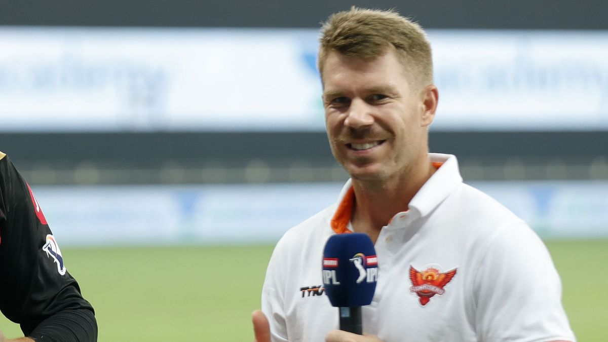 Fans react as David Warner posts a video of himself farting into a mic before an interview.