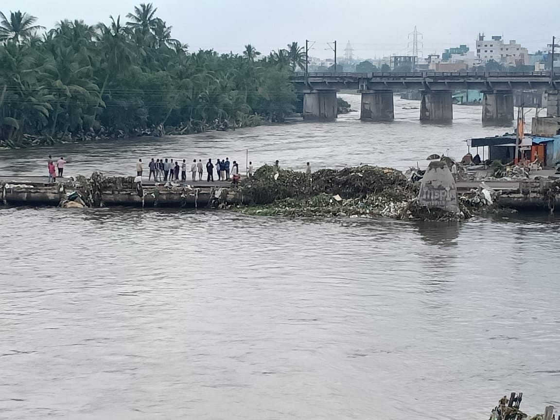 Heavy rains and floods in Hyderabad inundated many areas