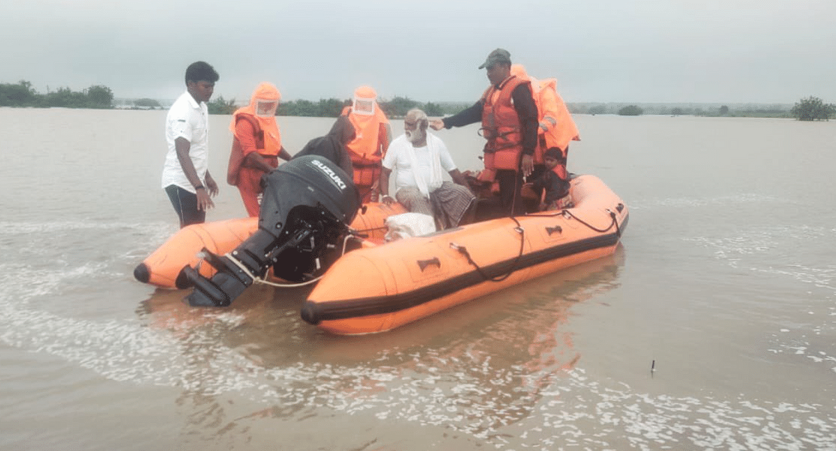 CM Tours Flood-Hit Areas After Rains Claim 48 Lives in Maharashtra