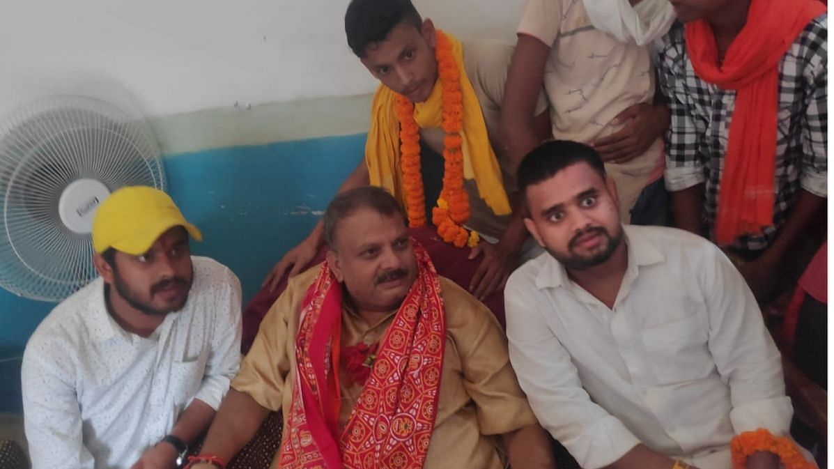 Vinit Singh (right) with LJP candidate from Dinara and former RSS Pracharak, Rajendra Singh.