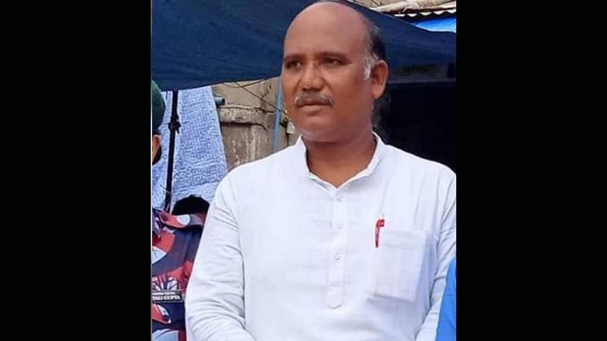 A local BJP leader Dayashankar Gupta was shot dead by three assailants on Friday night in UP's Firozabad.