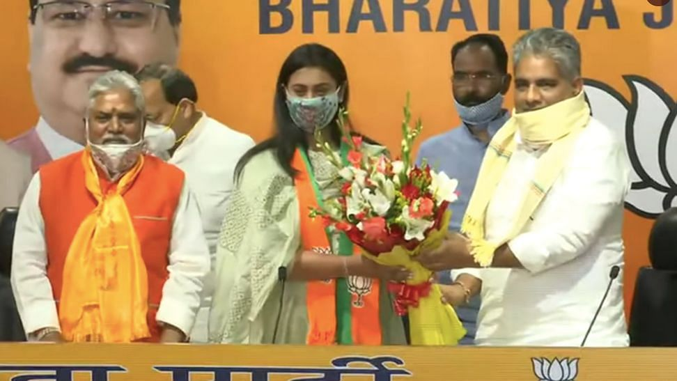 Arjuna Award-winning shooter Shreyashi Singh has joined the BJP in New Delhi.