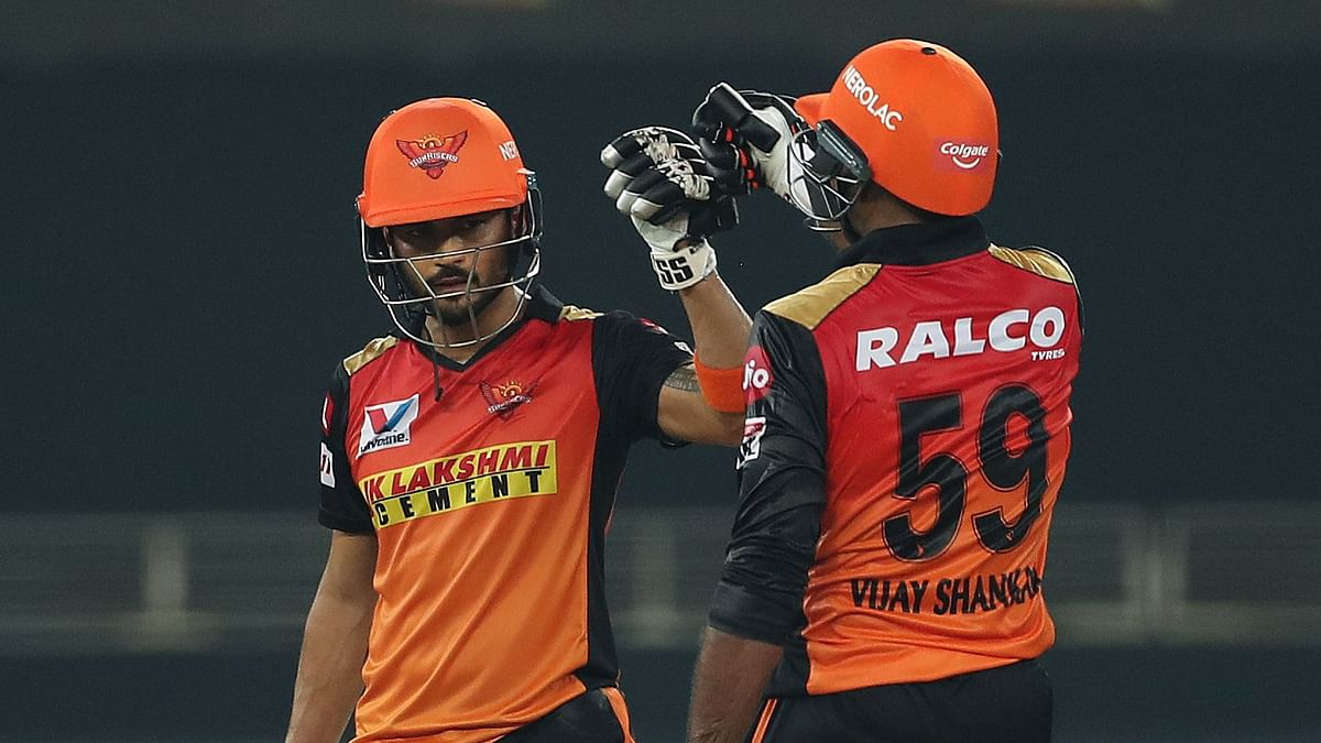Sunrisers Hyderabad (SRH) cruised to an eight-wicket win over Rajasthan Royals (RR).