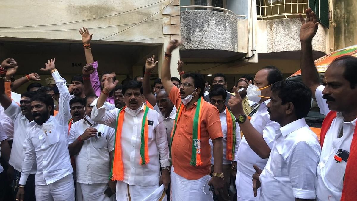 TN BJP Chief, 100 Party Workers Detained During 'Vetri Vel Yatra'