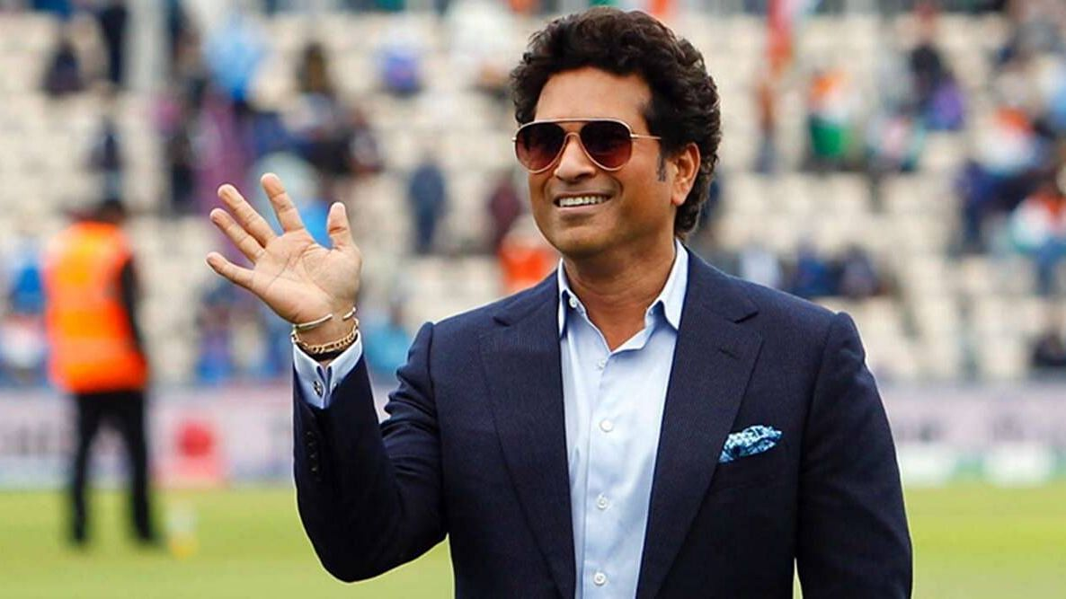 Sachin Tendulkar said that cooler temperatures and dew have been important factors in chasing teams winning of late.