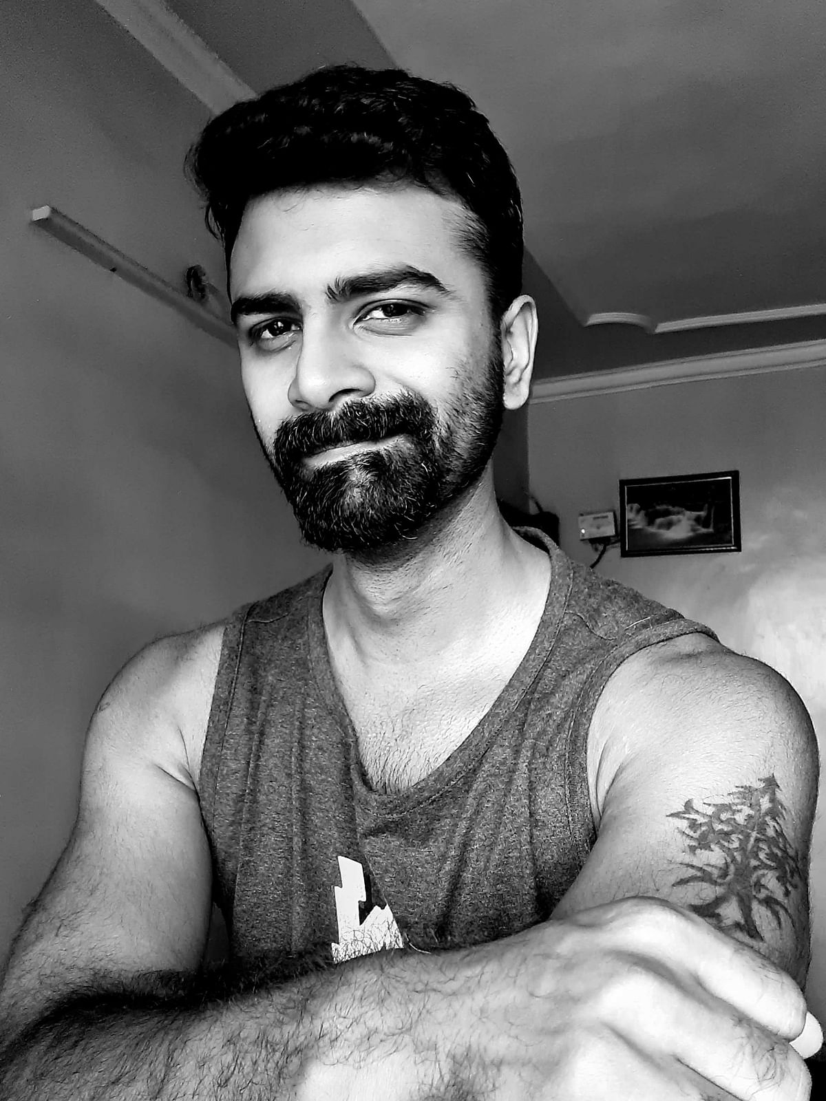 Captured in monochrome mode from the selfie camera.