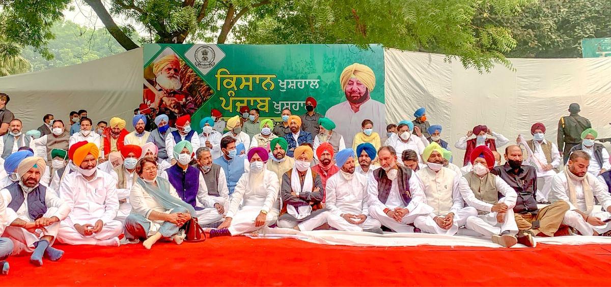 Punjab MLAs stage dharna at Jantar Mantar