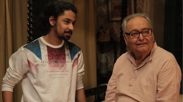 Riddhi Sen with Soumitra Chatterjee.
