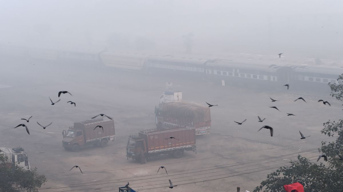 Low visibility due to smog in New Delhi on Tuesday, 10 November.