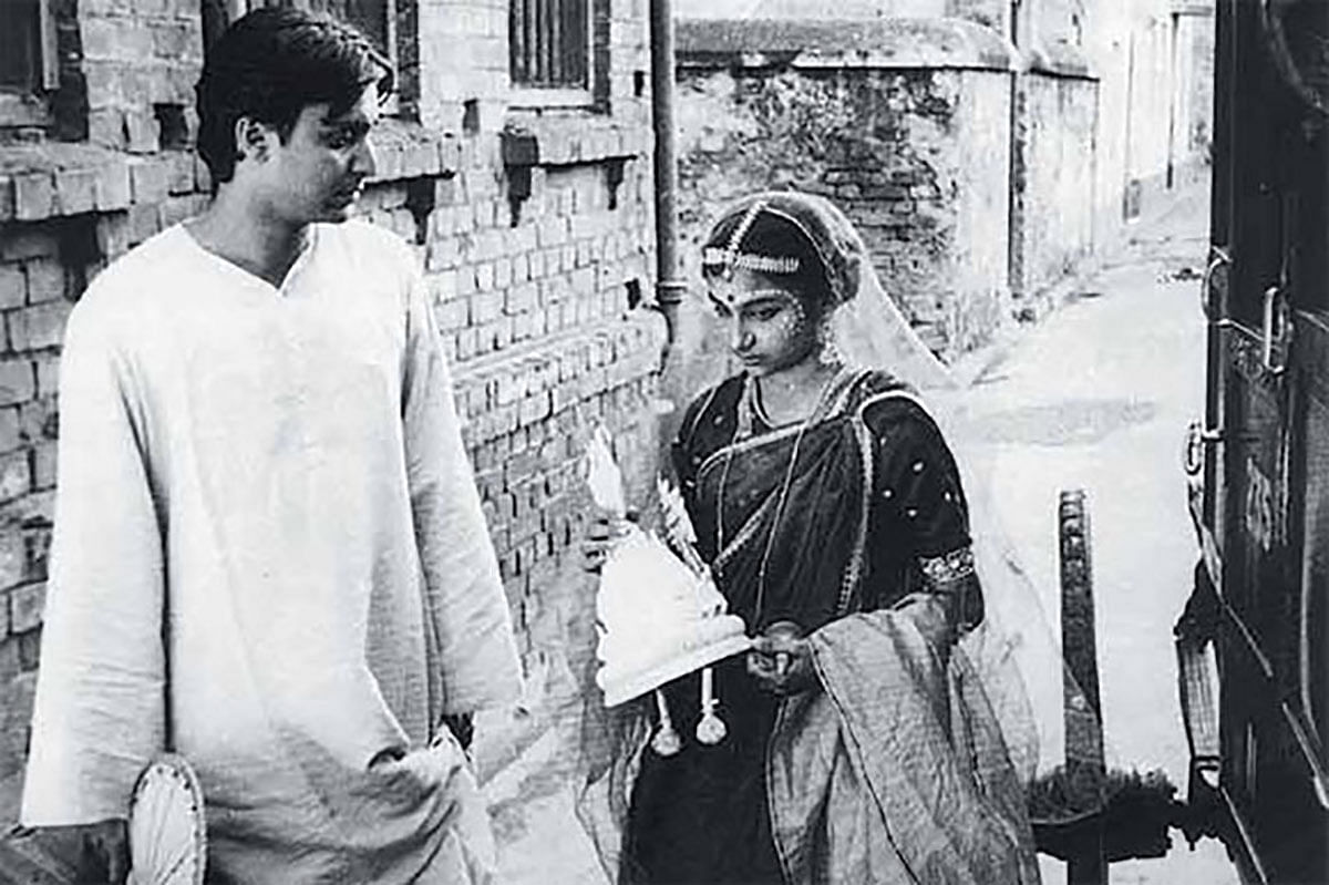 Sharmila was 13 and Soumitra was 23 when they shot 'Apur Sansar'