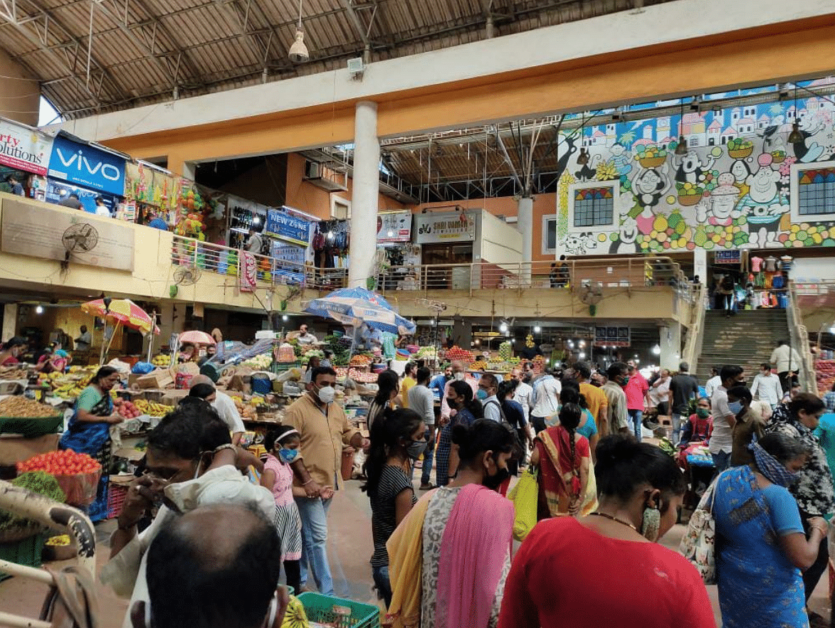 Crowded markets in Goa.