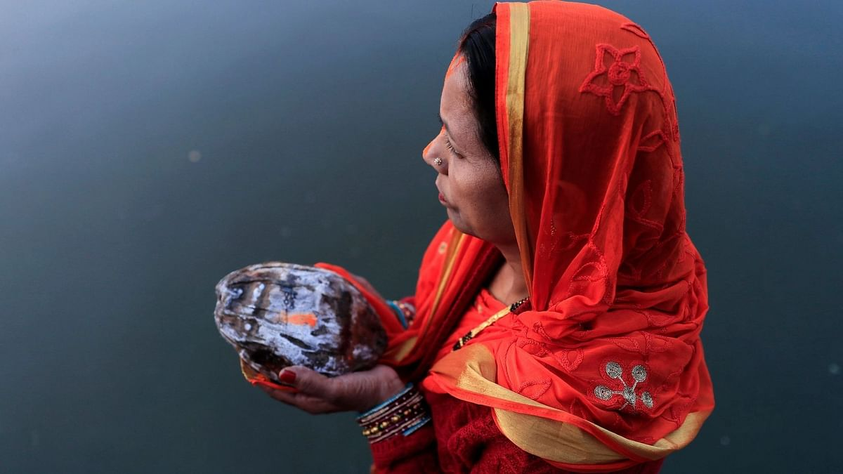 Chhath Puja to be a Public Holiday in Delhi, Restrictions Continue