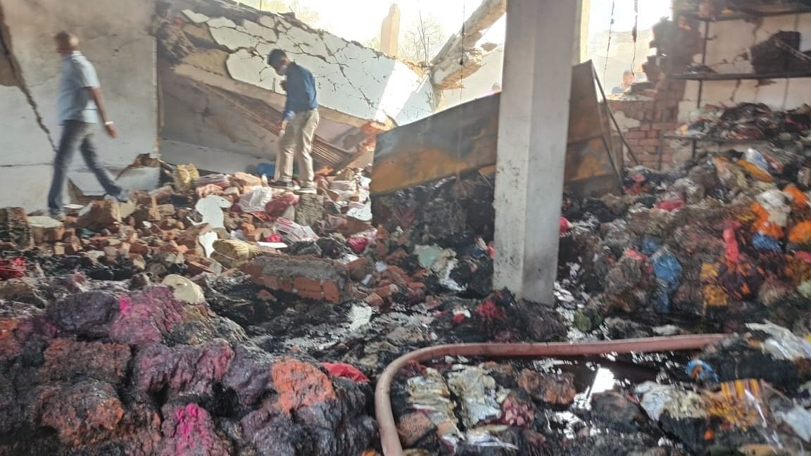 12 Killed in Series of Blasts in Ahmedabad Cotton Mill
