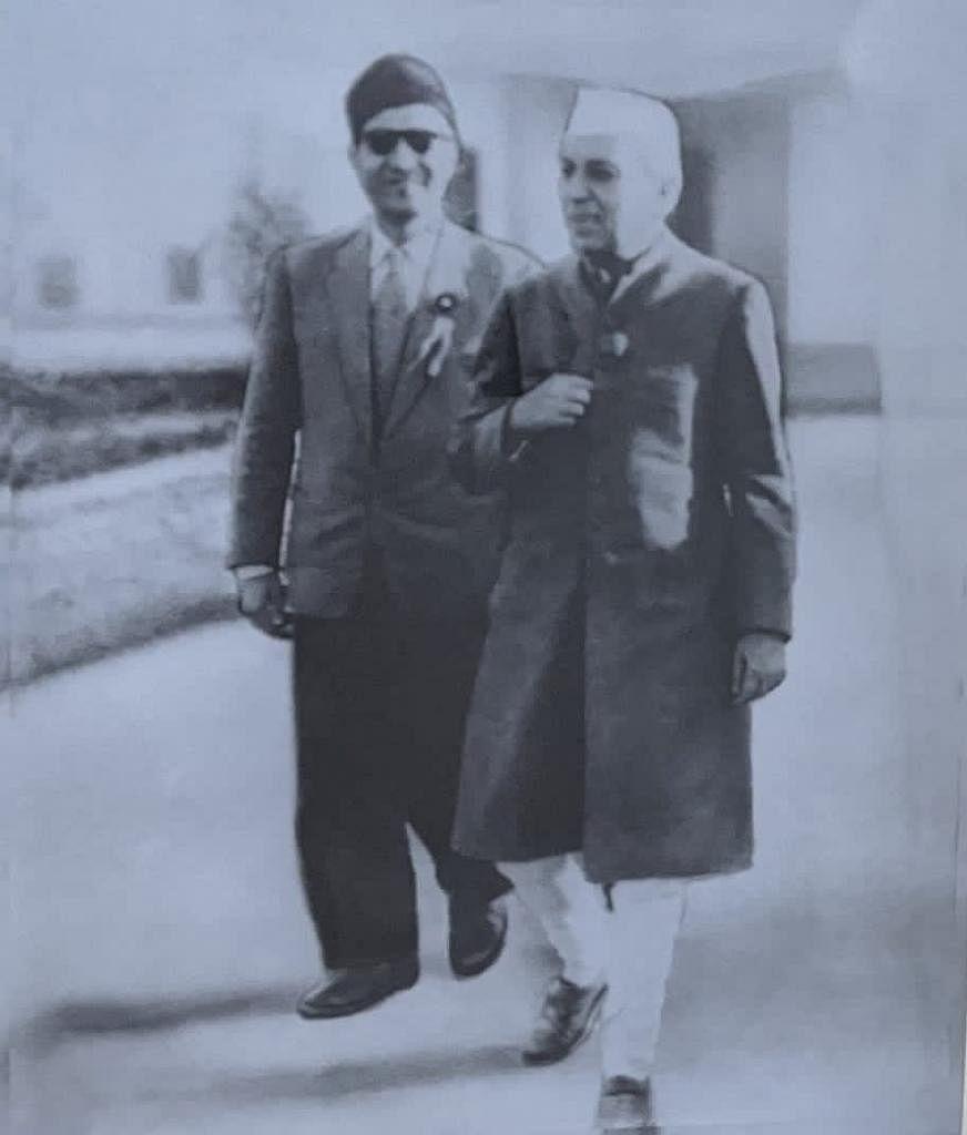 Inayat Ali Shah with Pandit Jawaharlal Nehru