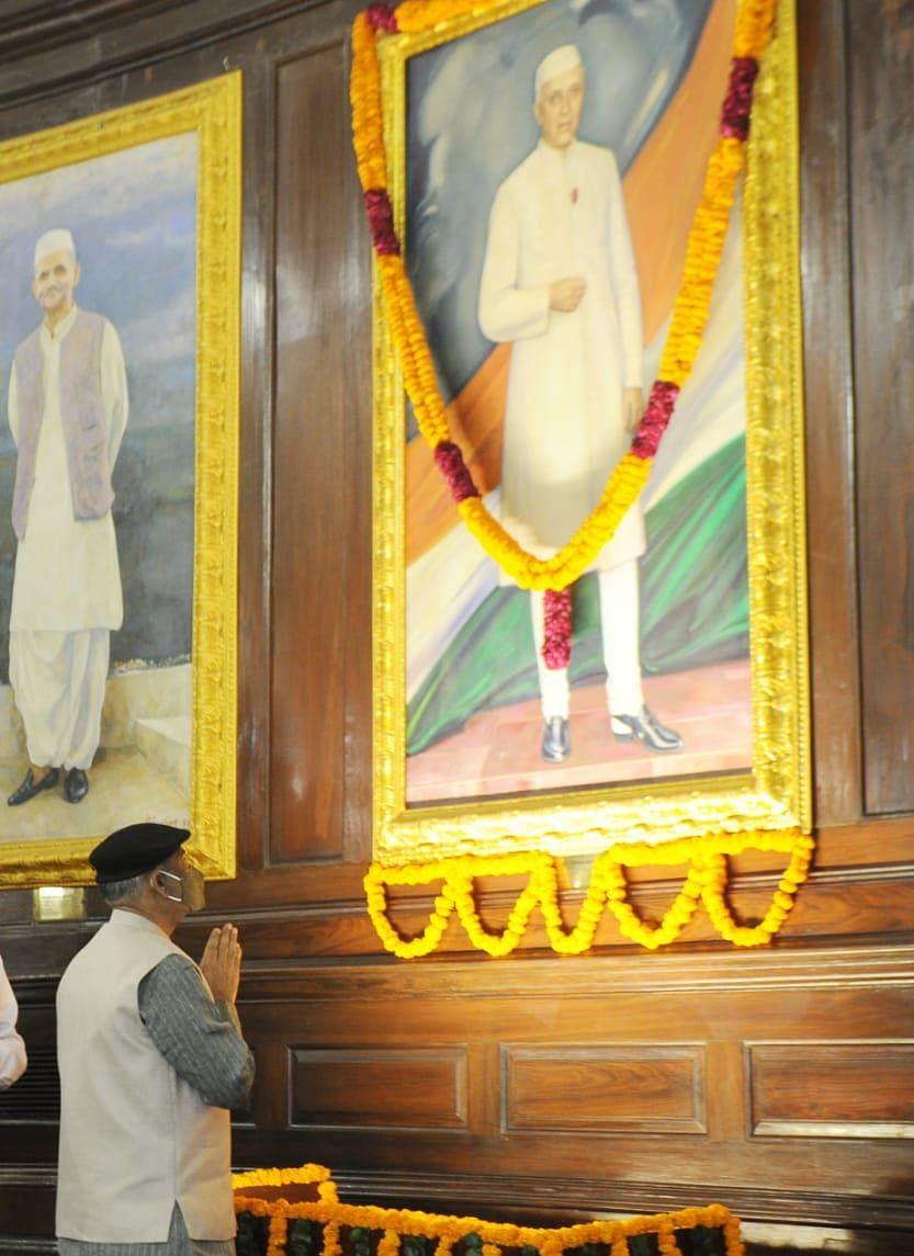 Paying wishes to Pandit Nehru