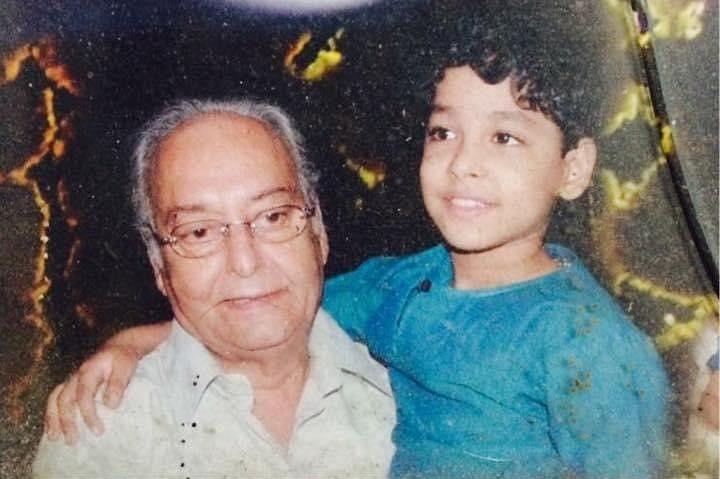 A young Riddhi Sen with Soumitra Chatterjee.