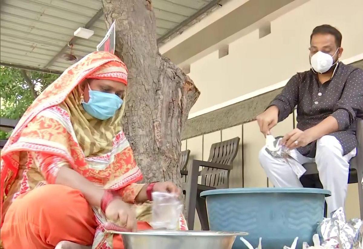 Hunger Has No Religion: Telangana Man Who Feeds Needy Amid COVID