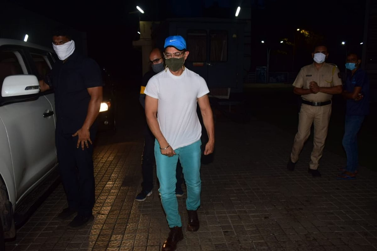 Aamir Khan clicked outside a multiplex on Tuesday, 17 November.
