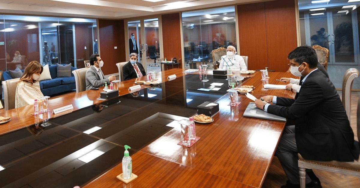 PM Modi at Serum Institute of India.