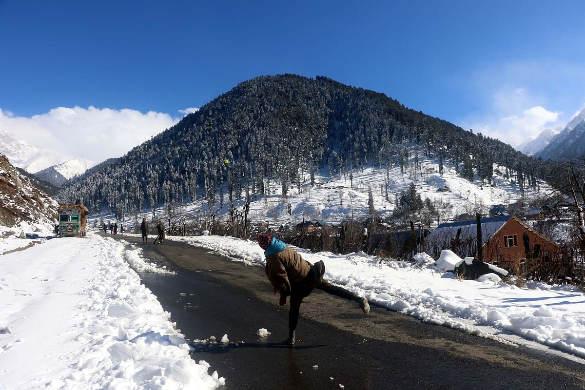 In Photos: Breathtaking  Jammu & Kashmir After Season's First Snow
